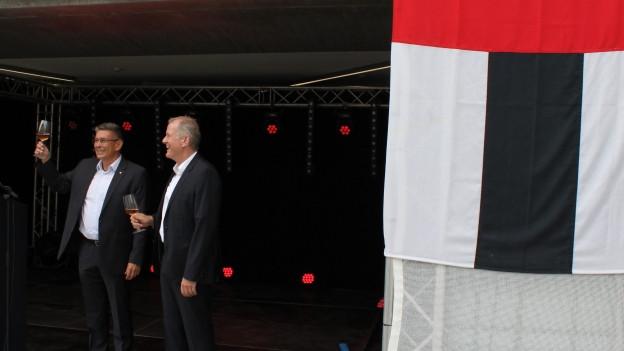 Stadtammann Markus Schneider und Regierungsrat Stephan Attiger sind in Feierlaune.