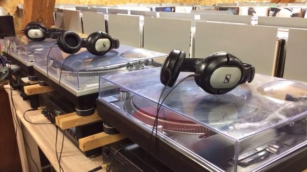 Schallplatten liegen zwar wieder mehr im Trend, doch davon haben Plattenläden in Aarau und Baden kaum etwas.