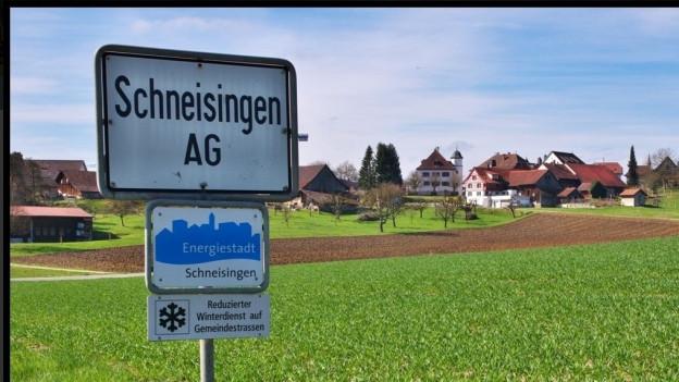 Ortstafel des Dorf Schneisingen