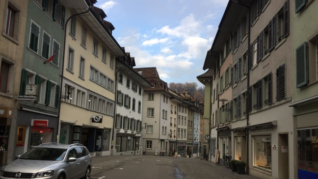 Leere Strasse in einer Altstadt.