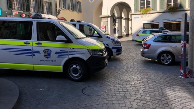Bei einem koordinierten Grosseinsatz nahmen Polizei und Grenzwacht am Samstag im Aargau 13 Personen fest.