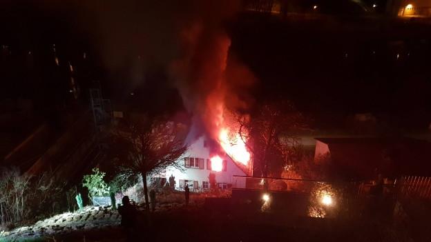 Brennendes Haus.