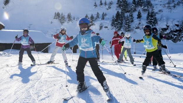 Jugendliche Skifahrer