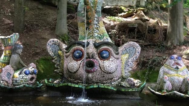 Ein Brunnen im Bruno-Weber-Park