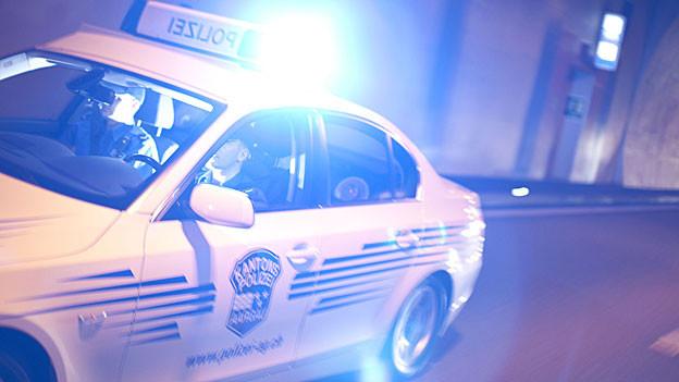 Massenschlägerei in Spreitenbach: Die Aargauer Polizei ist mit mehreren Patrouillen ausgerückt.