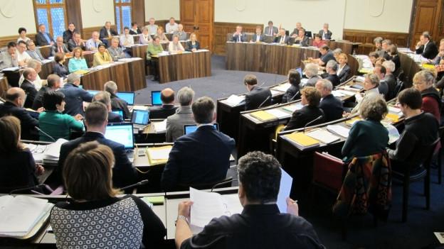 Kantonsrat debattiert über Steuervorlage.
