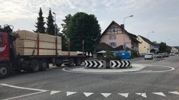 In Schafisheim wird nun gebaut. Die Pendlerl müssen sich allenfalls auf noch mehr Stau gefasst machen.