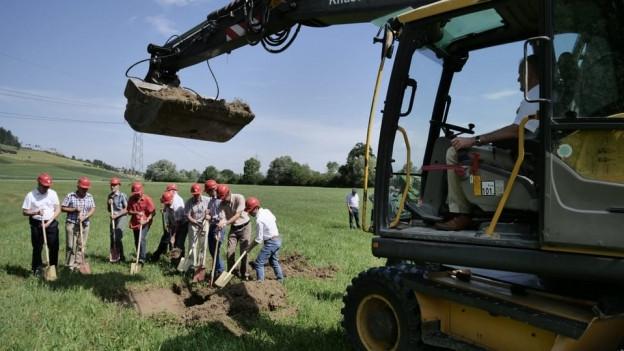 Das Projekt kostet gut 10 Millionen Franken und wird von Bund, Kanton und Pro Natura finanziert.