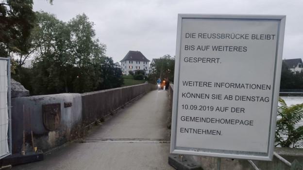 Der Übergang über die Reuss ist zu gefährlich. Das trifft rund 5000 Personen pro Woche.