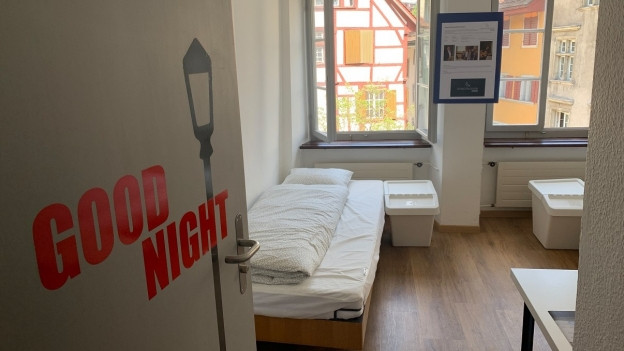 Betten in Zimmer.