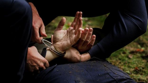Mit dem neuen Polizeigesetz soll die Aargauer Polizei mehr Befugnisse erhalten – das stösst auf Kritik.