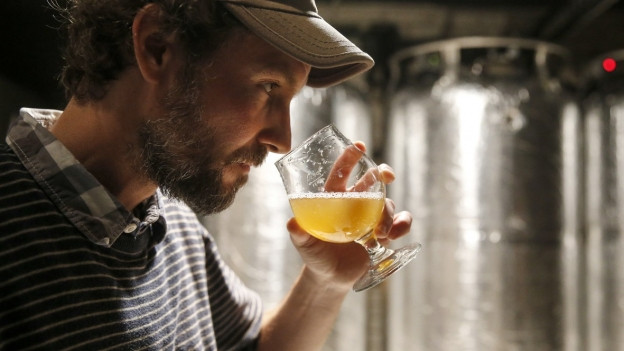 Den Schweizer Brauereien fehlen die Fachkräfte.