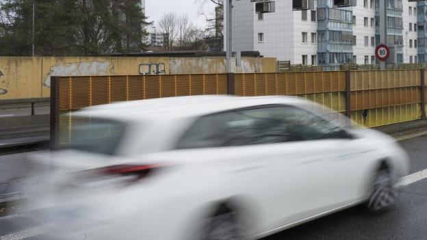 Bezirksgericht Lenzburg büsst zu lauten Autofahrer