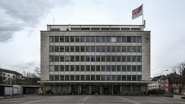 Auch das Wetttinger Rathaus mit seinem speziellen Charme soll künftig geschützt sein.