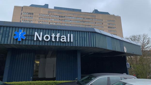 Im Notfall des Kantonsspitals Baden wurde ein Mann vorschnell entlassen.