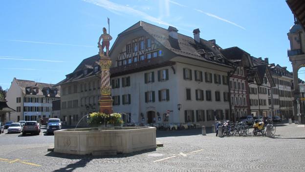 Blick auf den Zofinger Thutplatz: Ab 2022 soll die Stadt Zofingen nur noch von fünf statt sieben StadträtInnen geführt werden.