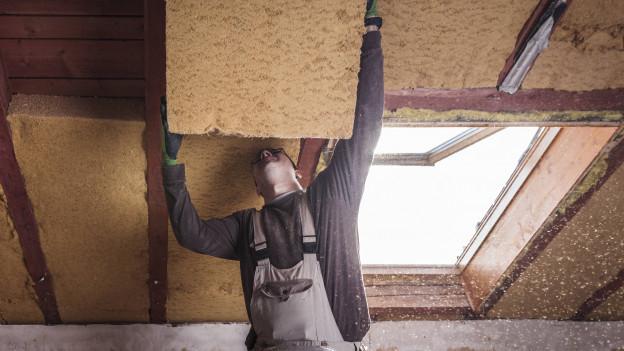 Energetische Sanierungen von Gebäuden sollen im Aargau finanziell besser gefördert werden, will die Regierung.