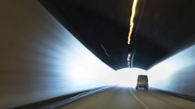 Unter anderem werden die elektrischen Anlagen in den drei Tunnel Habsburg, Schinznacherfeld und Bözberg erneuert.