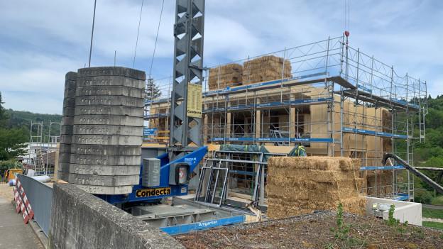 Strohballenhaus Baustelle