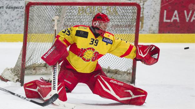 Sierre-Goalie Christophe Bays am 18. November 2012 in Martigny.
