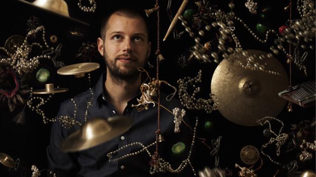Der Schlagzeuger Julian Sartorius.