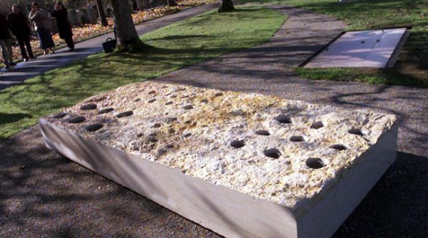 Urnenthemengräber sollen individueller gestaltet werden können als dieses Gemeinschaftsgrab auf dem Bremgartenfriedhof.