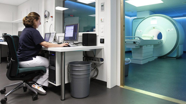 Die Mitarbeiterinnen auf der Notfallstation im Inselspital haben noch mehr Arbeit als früher.