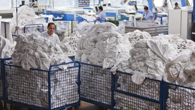 Die Inotex AG verarbeitet in Bern täglich 27 Tonnen Wäsche.