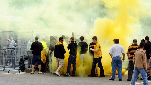 Szenen wie diese 2009 in Bellinzona möchten die Polizeidirektoren künftig verhindern.