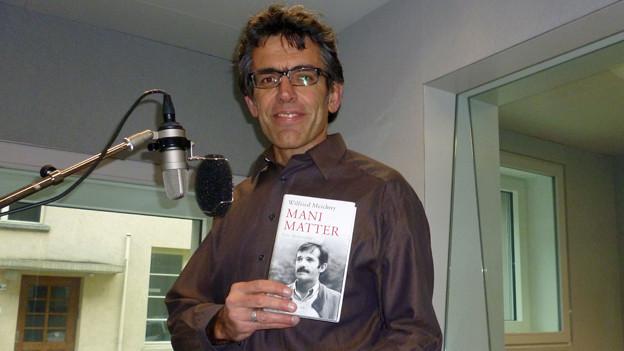 Wilfried Meichtry hat die erste Mani Matter-Biografie geschrieben.