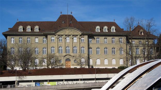 Das Berner Obergericht auf der Grossen Schanze.