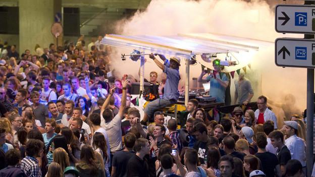 Im Juni 2012 tanzten über 10'000 Menschen durch die Stadt Bern.