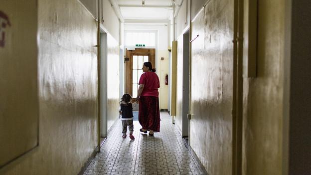Künftig will der Kanton klarere Abmachungen mit den Organisationen, welche die Asylzentren führen. (Bild: Enggistein)