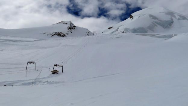Blick auf den Gletscher oberhalb von Saas Fee.