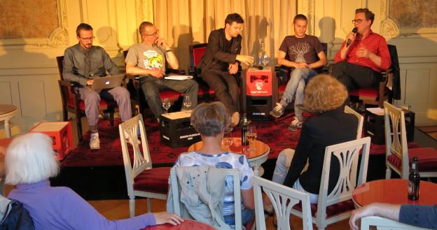 Das Podium im Berner Stadttheater beleuchtete die Generation «Tanz-dich-frei».