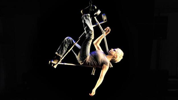 Am Festival tritt auch Claire Cunningham aus Schottland auf.