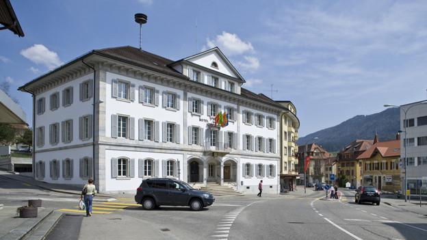 Das Rathaus von Tavannes im Berner Jura.