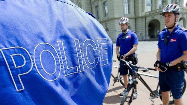 Bei der Polizei sollen 100 Stellen gestrichen werden.