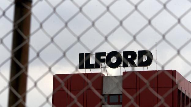 Die Firma Ilford ist in Bedrängnis.