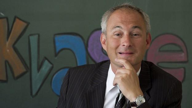 Der bernische Erziehungsdirektor Bernhard Pulver will den Schulen Zeit lassen, für die Einführung des Lehrplans 21.