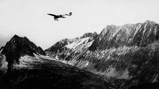 Oskar Bider auf dem Weg in den Süden. Der Schweizer Aviatik-Pionier überflog von Bern aus als erster die Alpen.