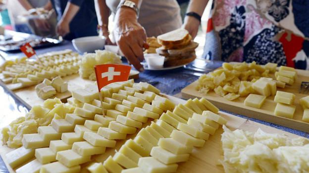 Käseplatte an einem 1. August-Brunch.