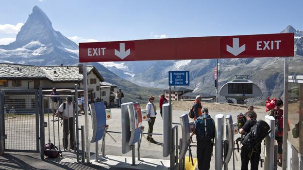 Immer weniger Touristen übernachten im Kanton Wallis.