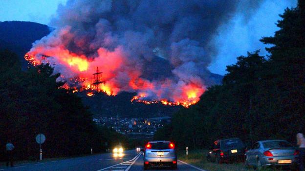 Vor zehn Jahren stand der Wald ob Leuk in Flammen.