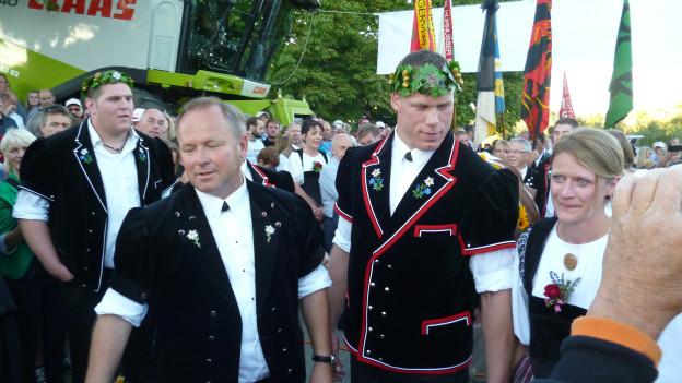 Schwinger- und andere Prominenz an der Feier in Alchenstorf .