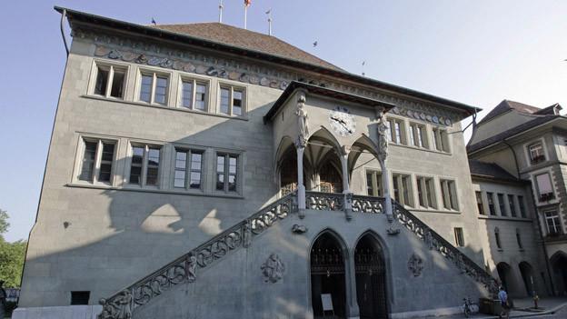 Das Rathaus Bern: Hier will man die Juraabstimmung überwachen.