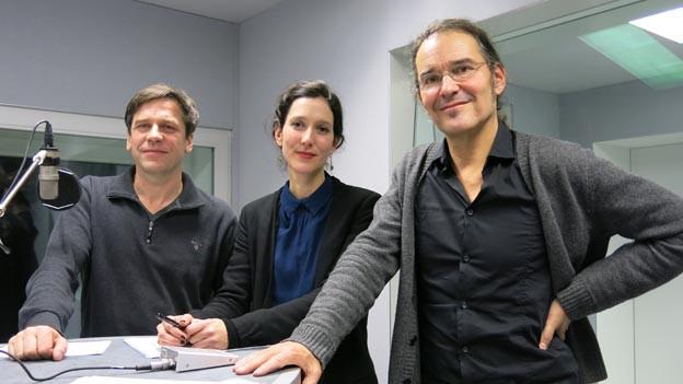 Guy Krneta, Ariane von Graffenried und Christian Brantschen im Radiostudio.
