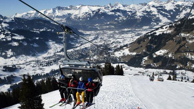 Sessellift zum Wasserngrat bei Gstaad (2004).