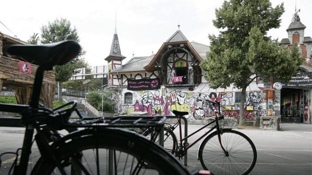 Berner Gemeinderat will Reitschule sanktionieren.