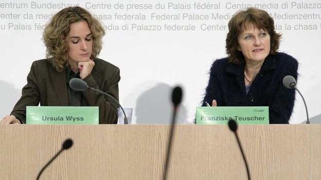 Ein Bild aus alten Zeiten: Ursula Wyss (links) und Franziska Teuscher 2008 gemeinsam vor den Bundeshausmedien.